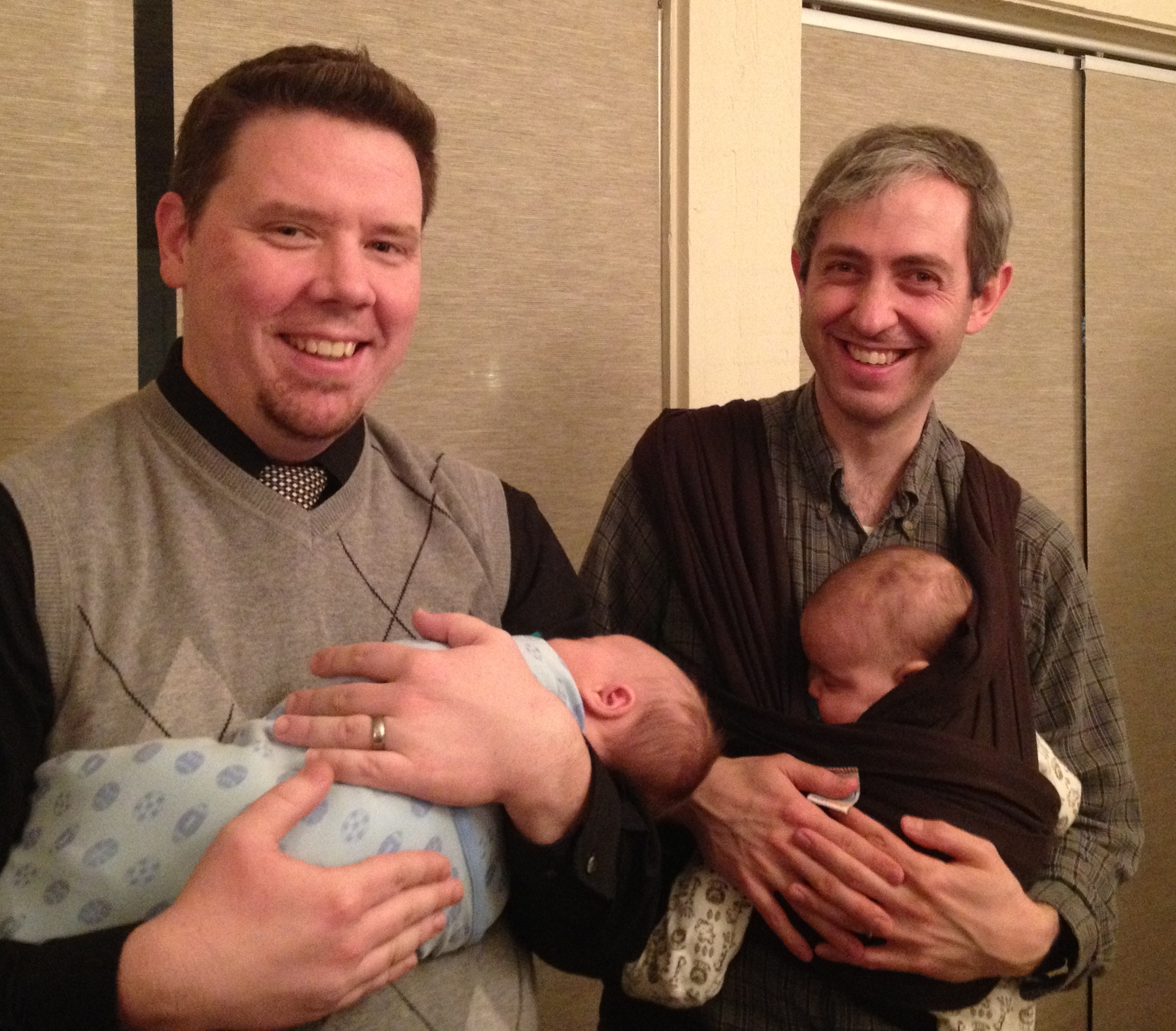new-dads-sharing-stories-with-childbirth-class
